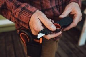 Slice knife in hands